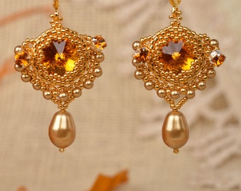 Earrings with Swarovski crystals and pearls