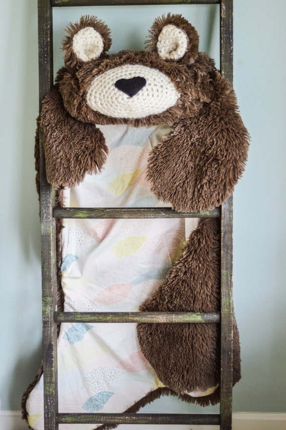 Woodland Nursery Rug / nursery Bear Rug / woodland nursery / Baby room decor / animal playmat