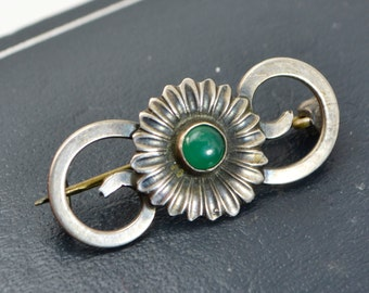 Antique DANISH F.Hansen 830s Silver & Green AGATE Art Nouveau FLOWER Brooch