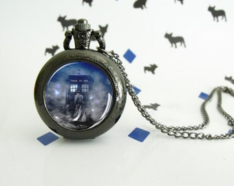 Time Lord - Dr. Who - Pocket watch - Victorian Steampunk style - Glass cabochon - Special Easy gift