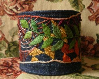 "Embroidered Bracelet ""Zentangle"""