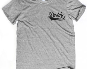 NEW DAD GIFT daddy since 2016 t-shirt New dad shirt Pregnancy shirt Dad to be t-shirt going to be a dad Having a baby shirt Announcement