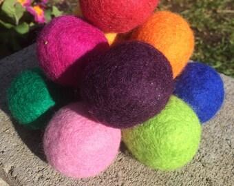 5 Wool Catnip Balls