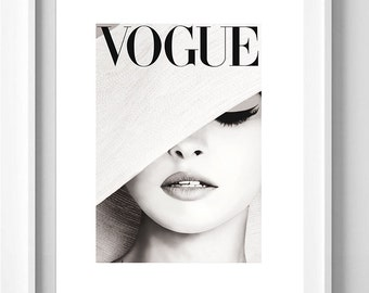 Poster poster gloss vogue hat light grey, parutuion in vogue, poster female and original to the House.