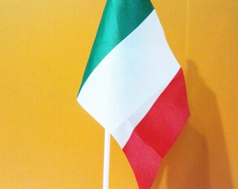 A5 Size Italy Flag with Pole and Base