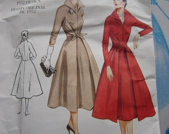 Vogue 2401 Vintage Reproduction 1952 Dress Sewing Pattern 18-22