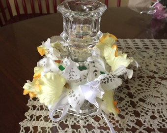 Orchid White and yellow with candle holder  heneritta