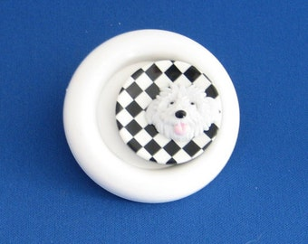 Friendly dog brooch/fridge magnet, hand decorated.