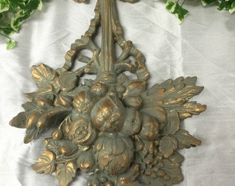 Lovely Antique Effect Resin Wall PLaque / Moulding Made for Gisela Graham London