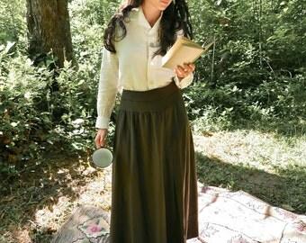 """Antique Army Green Wool Skirt Size Medium 31"""" Waist"""
