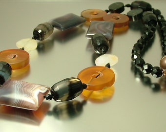 Chunky vintage/ estate jewelry handmade ethnic/ boho semi precious/ gem stone agate and quartz necklace
