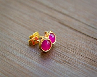 Hot Pink Faceted Stone Bead Wire Wrapped Earrings in Gold - Stud Earrings in Gold