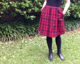 Mad for Plaid Red Wool Pleated Skirt size 4