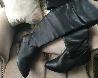 Thigh high black leather cuffed pirate boots womens US size 8