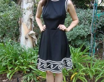 Vintage Sleeveless Black Dress with Creme Trim S/M