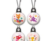 Playful cat zipper pull.  Playful cat charm.  Playful cats zipper pull.  Yarn cats.  Butterfly cats.  Cat with flowers.