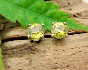 Mali Garnet Earrings in Gold, Silver, or Platinum with Genuine Gems, 5mm - Free Gift Wrapping