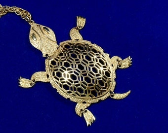 Vintage Turtle Pendant Necklace Articulated Movable Jointed 1960s 70s