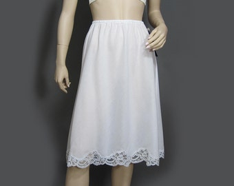 Vintage 70s Half Slip White Lace Trimmed Cotton Poly NOS Wonder Maid M