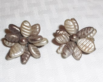 1950s Vintage Gold Celluloid Flower Earrings Clip On Style Japan