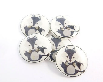 "5 Grey Fox Buttons. 3/4"" or 20 mm  Grey Fox Mother and Baby Fox. Handmade Woodland Animal  Decorative Novelty sewing buttons."