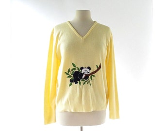 Vintage Panda Sweater / Embroidered Sweater / 70s Top / L XL