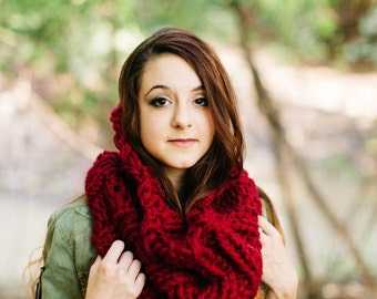 Red Extra Chunky Cowl // Warm Crimson Infinity Scarf // Collared Garnet Circle Cowl