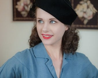 Vintage 1940s Hat -Fantastic Jaunty New York Creations Pirate-y Black Tilt with Heavy Netting and Open Crown
