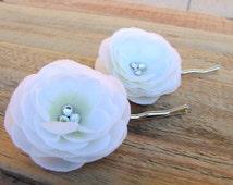 Small White Flower Fascinator Ranunculus Rhinestone Hair Pin Bridal Head Piece Wedding Bride Little Floral Clip Silk Flower Barrette