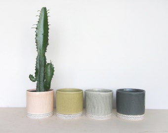 Large Round Herringbone Pinched Planter - Made to Order