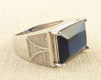 SALE ----- Size 8 Vintage Sterling Large Rectangular Sapphire Glass Ring with Rhinestone Accents