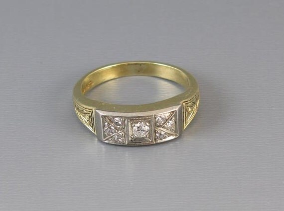 Vintage Art Deco 14k green gold and platinum diamond wedding band ring, size 7.5