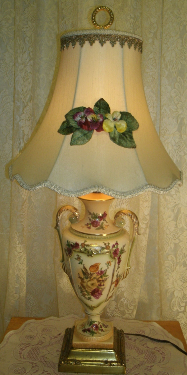 Vintage 1940 S Porcelain Table Lamp