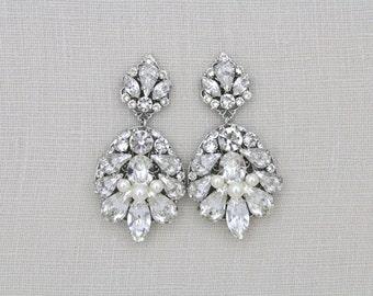 Teardrop Wedding earrings, Crystal Bridal earrings, Wedding jewelry, Chandelier earrings, Swarovski crystal earrings, Vintage earrings