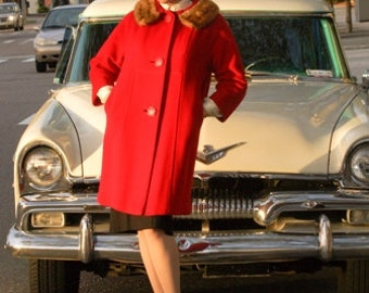 Red Coat, Fur Collar, Winter Coat, Wool Coat, 1950s Vintage Clothing, Single Breasted, Size Small, 60s Coat, Womens Red Coat, Winter Coat