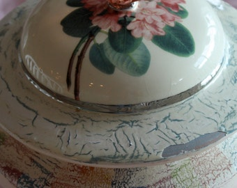 SALE!  Mackenzie Childs soup tureen-made in Italy-trademarked