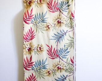 """Vintage Floral Barkcloth Fabric / 47 x 132"""" / Unused / 1950's Yardage"""