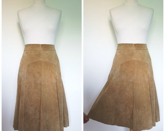 1970s French vintage camel suede leather A-Line skirt - medium M