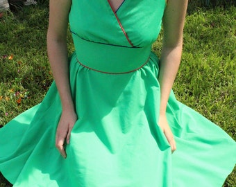 Vintage Spring Green Sun Dress//red, yellow, and blue detailing//short sleeve A-line dress// size small