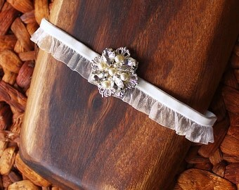 Satine Wedding Garter, Elegant Vintage style Wedding Garter, Ruffles Garter with Crystal & Pearl Charm, Ivory Bridal Garter Keepsake