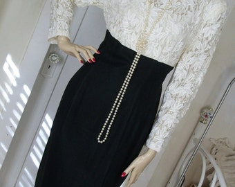 Vintage White Lace Beaded Pearls and Black Rayon Dress Wedding Wiggle Style Gorgeous Size Med Great Cond Really Pretty