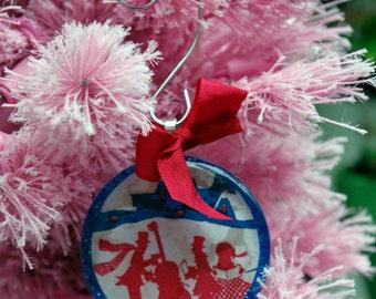 Christmas Carolers Christmas Tree Glass Ornament