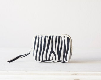 Zipper wallet pouch in leather with zebra print, coin purse zipper phone case money bag - The Myrto Zipper pouch