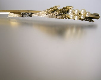 Rolled Gold Bar Pin with Leaves and Faux Pearls
