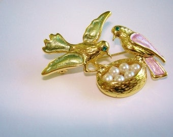 Birds Eggs in Nest Brooch