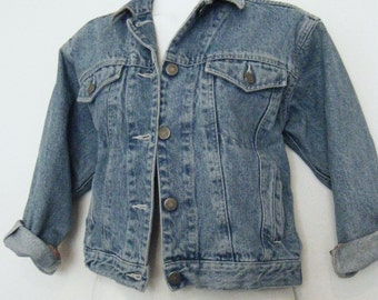 vintage GAP tiny fit DENIM JACKET, cropped blue jean jacket, size m