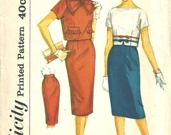 Simplicity 3112 / Vintage 50s Sewing Pattern / Skirt and Cropped Blouse Overblouse / Size 12 Bust 32