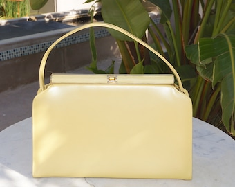 Vintage 1950s 1960s Handbag / 50s 60s Pale Yellow Pearlized Purse / Mid Century Style Classic Handbag