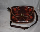 30s Era Mahogany Brown Tooled Leather shoulder purse with Floral Rose Motif in Cinnamon Red Excellent Condition