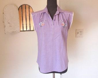 Vintage 70's Shirt, Lavender, Floral Embroidery, Short Sleeve, Boho, Size XS, Bust 36